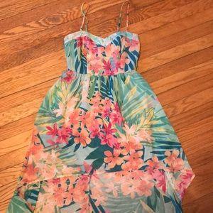 Tropical floral hi-lo sundress!